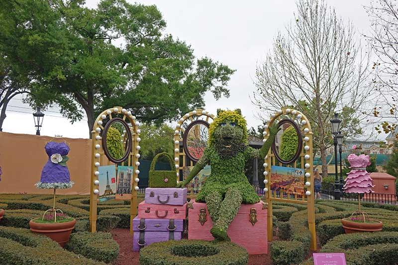 Epcot Flower and Garden - Miss Piggy