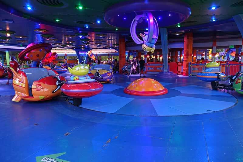 Toy Story Land - Alien Swirling Saucers