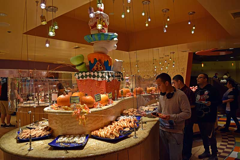 Managing a Large Group at Disneyland - Plan Meals