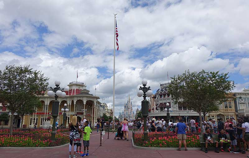 How to Avoid Getting Lost at Disney World - Have a Meeting Spot
