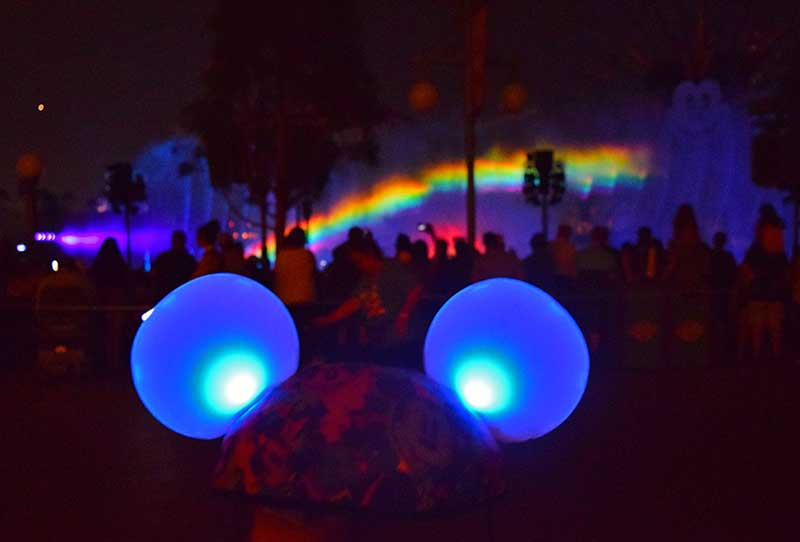 Best Ways and Places to View Disneyland's World of Color - Made with Magic Ears