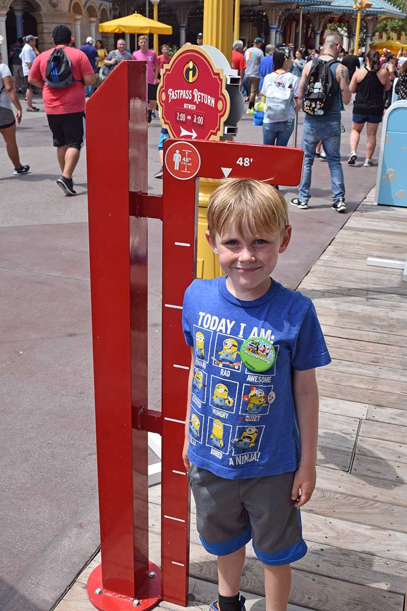 Disneyland Height Requirements - IncrediCoaster