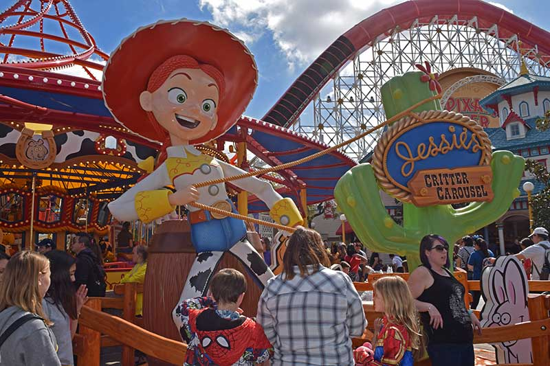 20 Tips for Visiting Disneyland in Summer