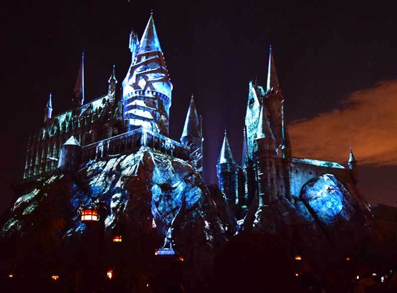 Best Viewing Dark Arts at Hogwarts - Hands on the Castle