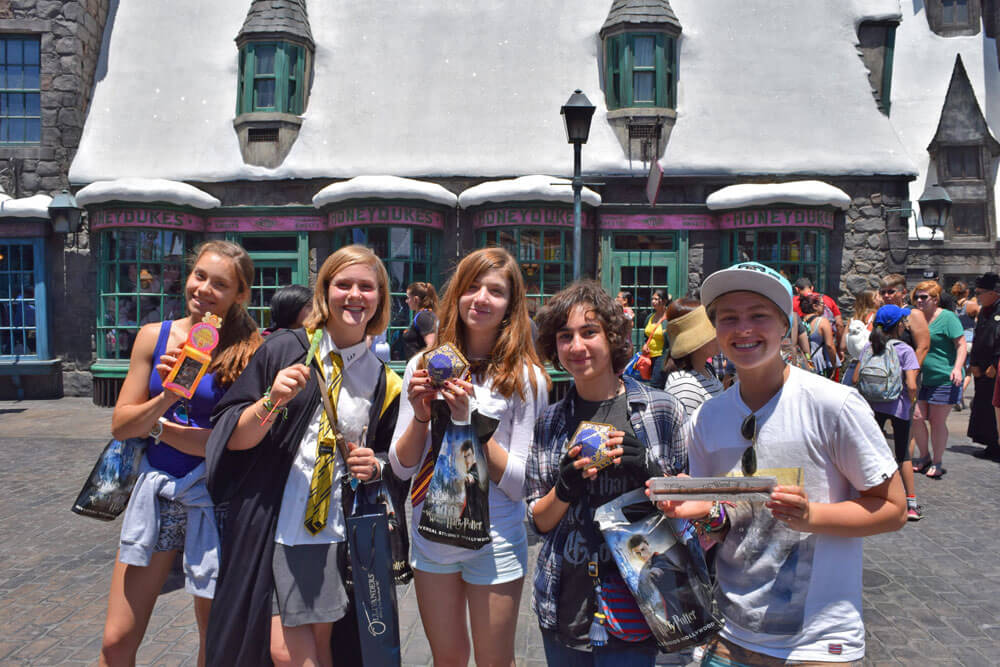 Universal Studios Tips to Maximize Your Time - Wizarding World with Friends