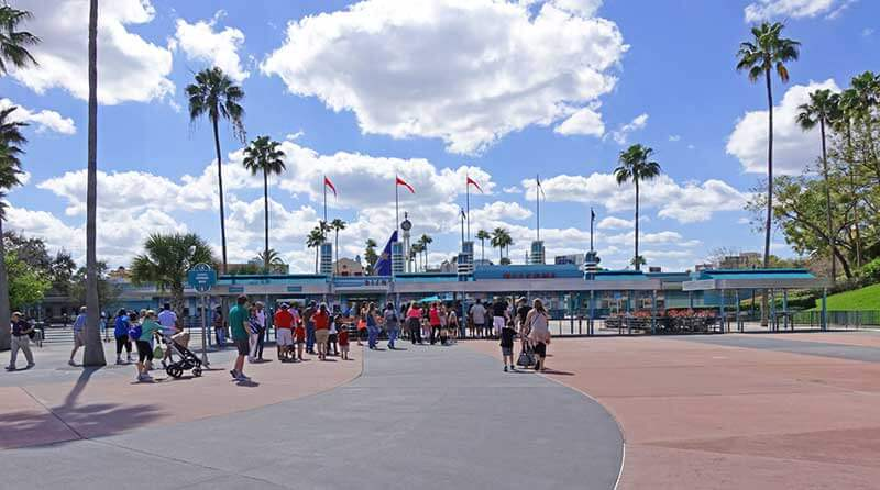 When to Use Extra Magic Hours - Hollywood Studios entrance