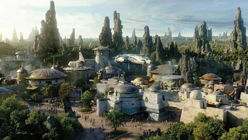 Star Wars: Galaxy's Edge Disneyland Is Now Open!