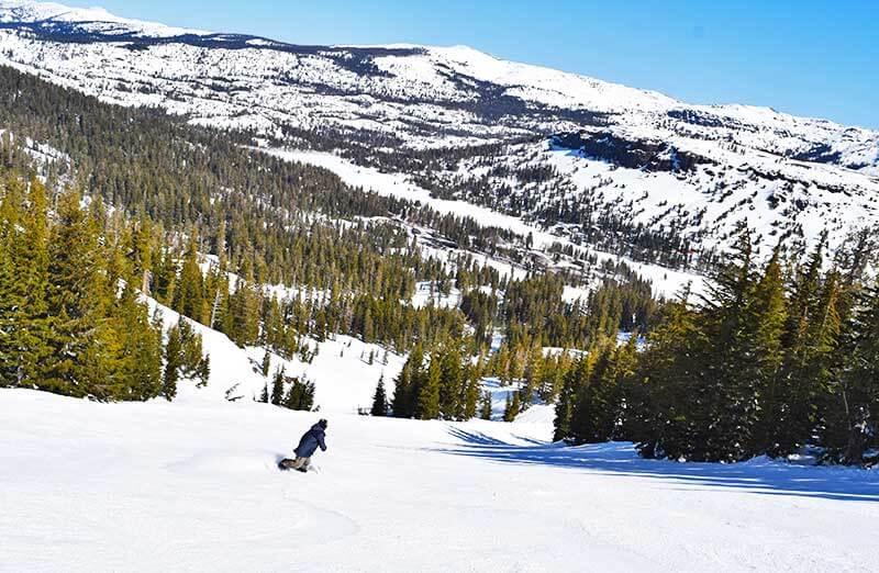 Guide to Kirkwood Ski Resort - Snowboarder