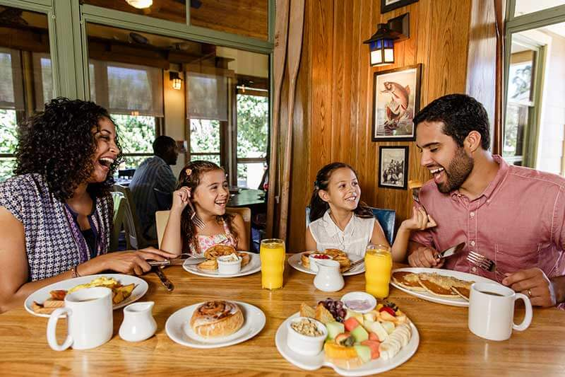 Top Things To Do in Vero Beach with Kids - Dining at Disney's Vero Beach