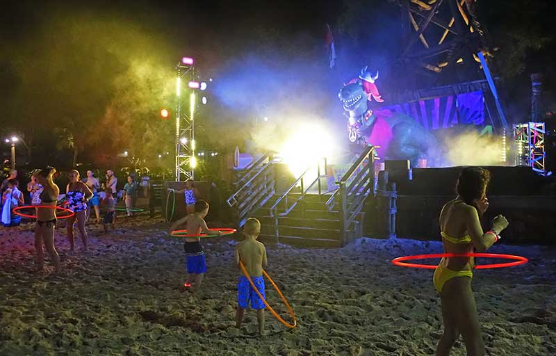 H2O Glow Nights - Beach Party