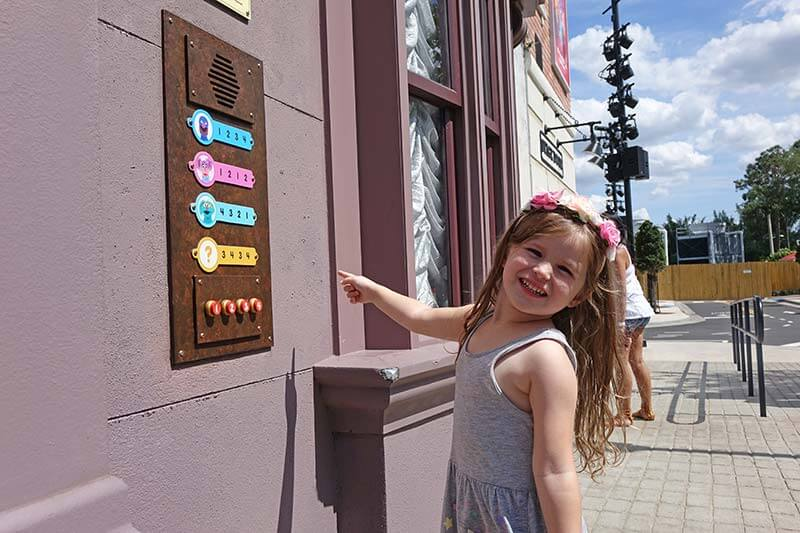 Best Theme Parks in Orlando - Sesame Street Interactive Buttons