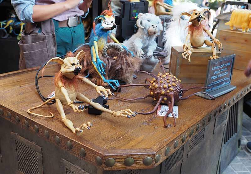 Star Wars: Galaxy's Edge at Disneyland - Creature Stalls
