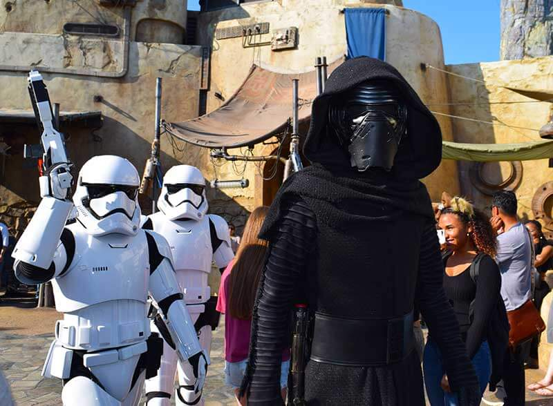 Galactic Guide to Star Wars: Galaxy's Edge-Kylo Ren