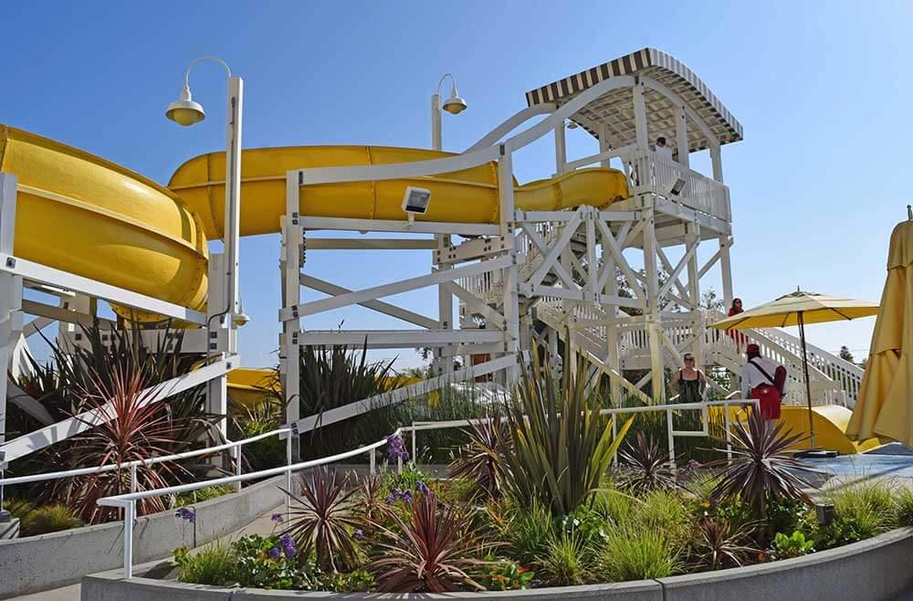 Benefit of Staying at a Disneyland Resort Hotel - Disney's Paradise Pier Pool