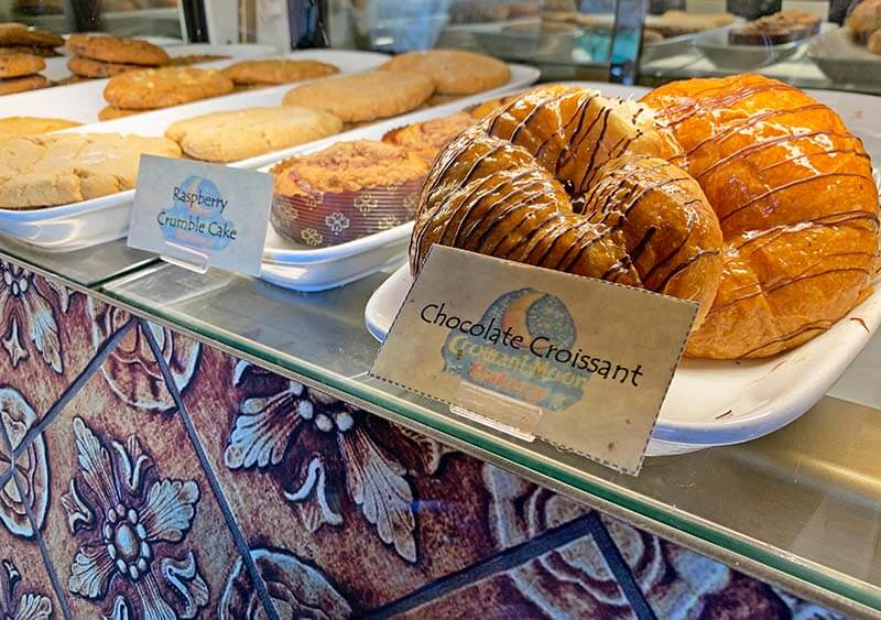 Cheap Food at Universal Orlando - Croissant Moon Bakery