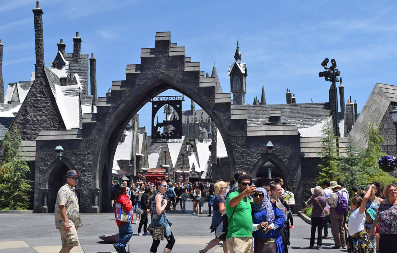 Universal Studios Hollywood Universal Express - Hogsmeade Entrance
