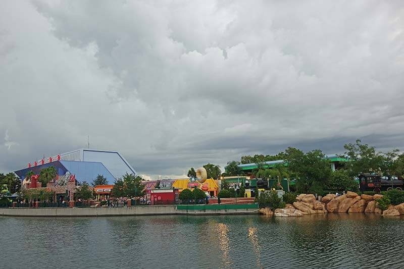 What to Do on a Rainy Day at Universal Orlando - Lagoon