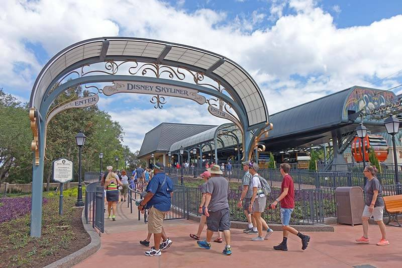 The Expert Guide to EPCOT Complimentary Transportation