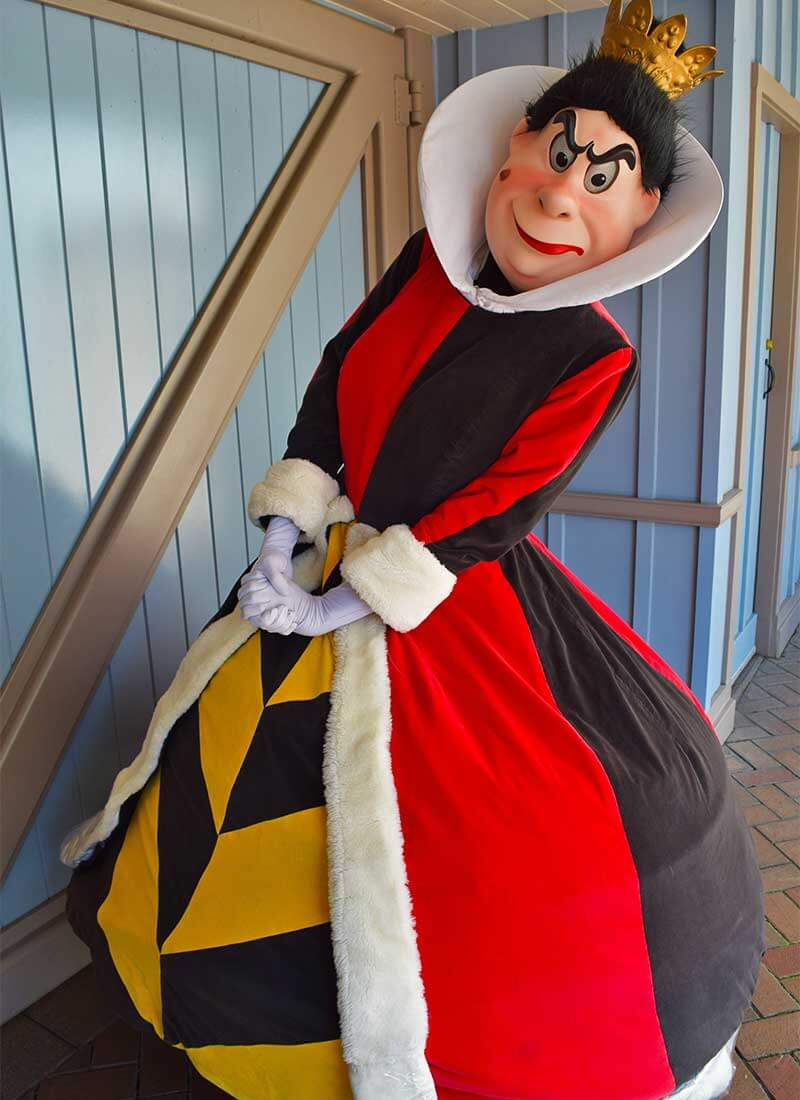 Guide to Disneyland Halloween Time 2019-queens of hearts