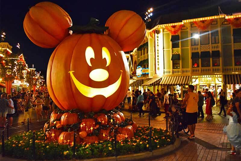 Best Food At Disneyland And California Adventure 2020 Halloween Ultimate Guide to Disneyland Halloween Time