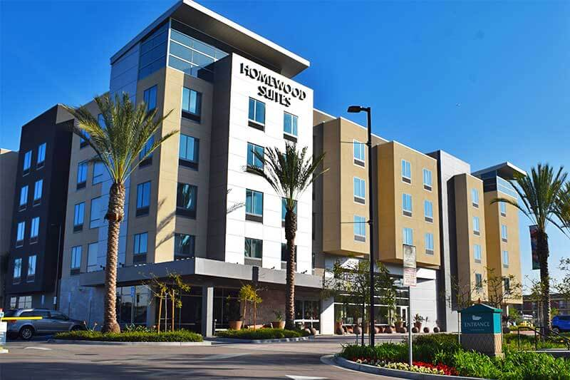 Best Los Angeles Hotels for Large Families - Homewood Suites