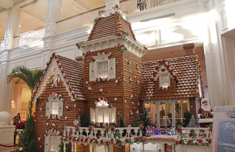 Holiday Crowds at Disney World - Gingerbread House