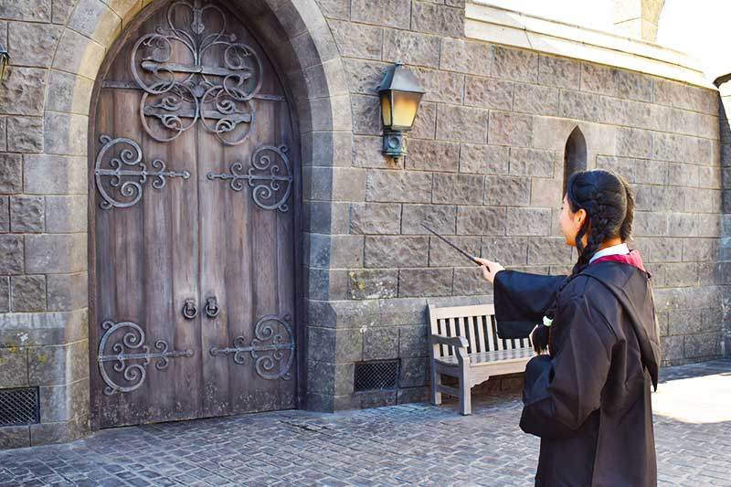 Tips for Going to Universal Studios Hollywood with Teens and Tweens - Wand Use