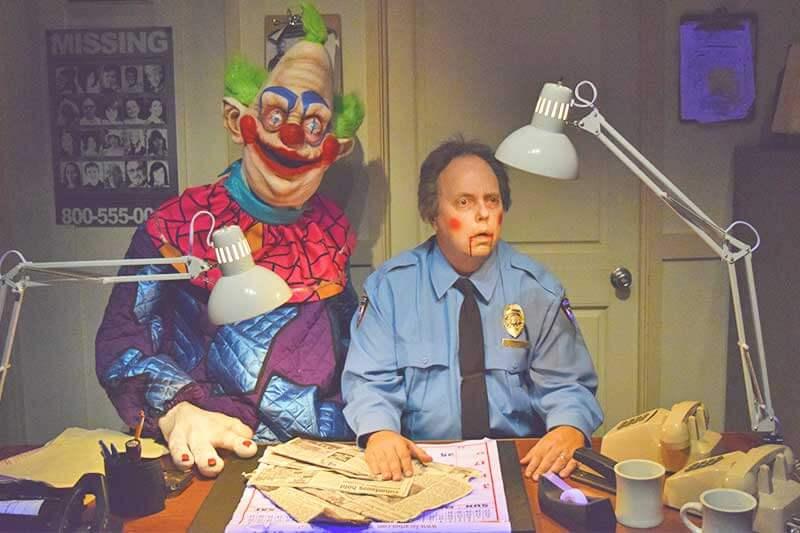 Halloween Horror Nights Hollywood Survival Guide-Klown