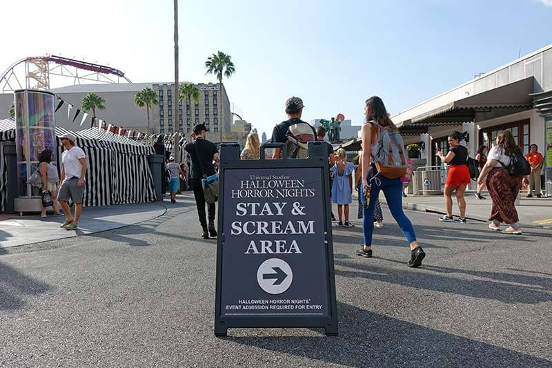 Halloween Horror Nights Early Entry Sign