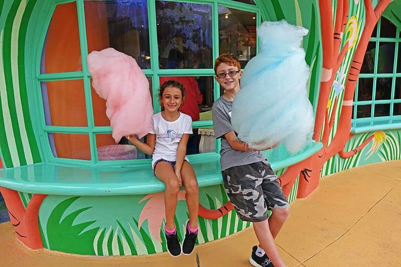 The Very Best Snacks at Universal Orlando Resort (and Where to Find Them!)