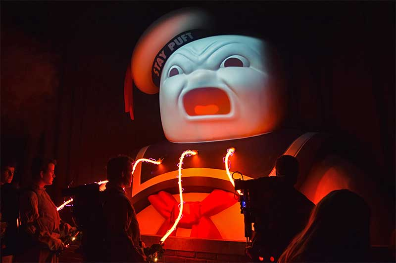 Halloween Horror Nights Hollywood Survival Guide-stay Puft