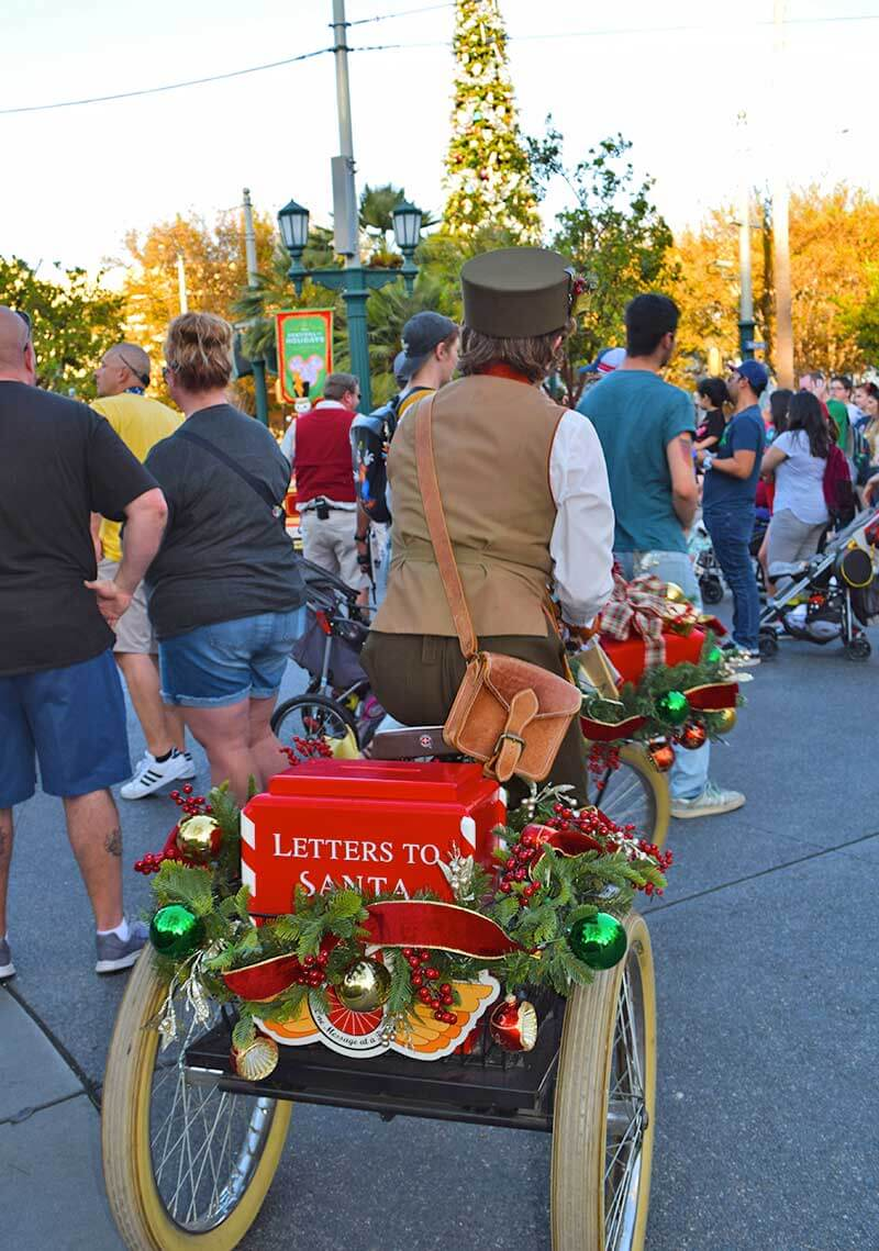 Guide to the ~Hoppiest~ Holidays at Disneyland 2019-dca