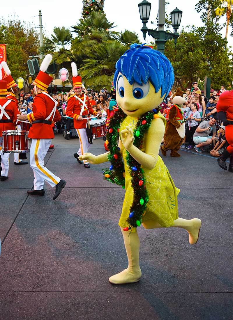 Guide to the Hoppiest Holidays at Disneyland 2019-joy