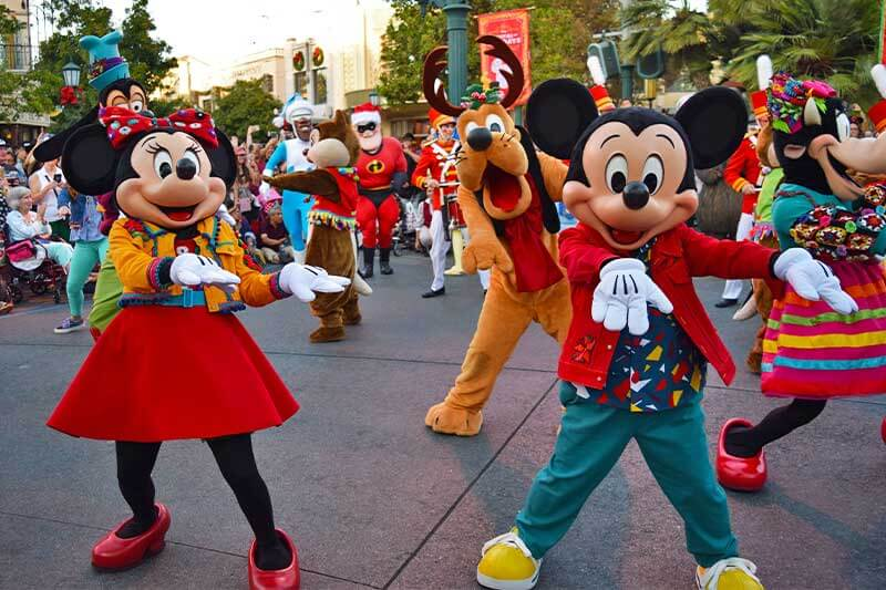 Guide to the Hoppiest Holidays at Disneyland 2019-mickey show
