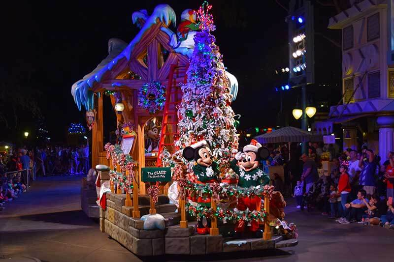 The Disney Christmas Parade 2020 Our Guide to Planning for Christmas at Disneyland