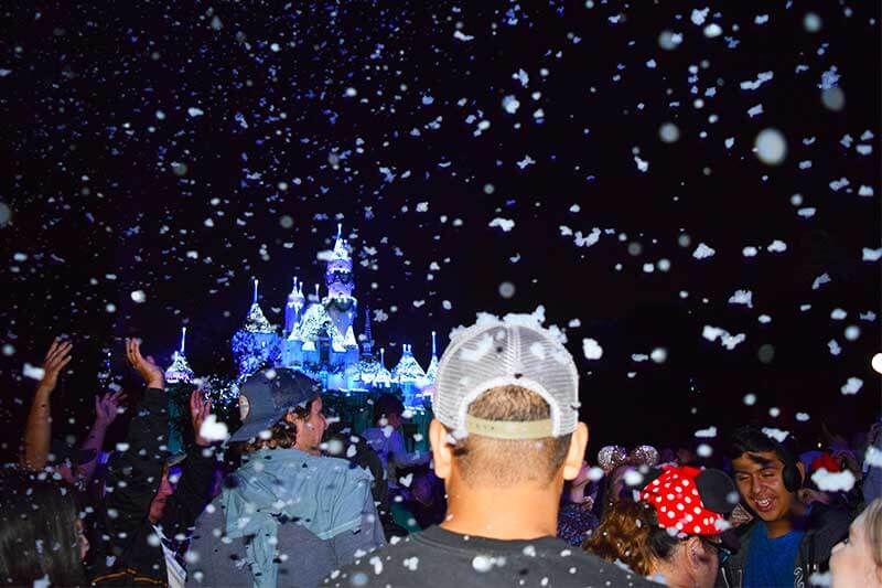 Guide to the Hoppiest Holidays at Disneyland 2019-snowfall