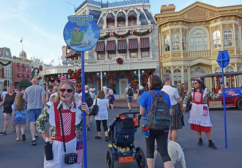 Very Merry Christmas Party 2020 Expected Dates Guide to Mickey's Very Merry Christmas Party