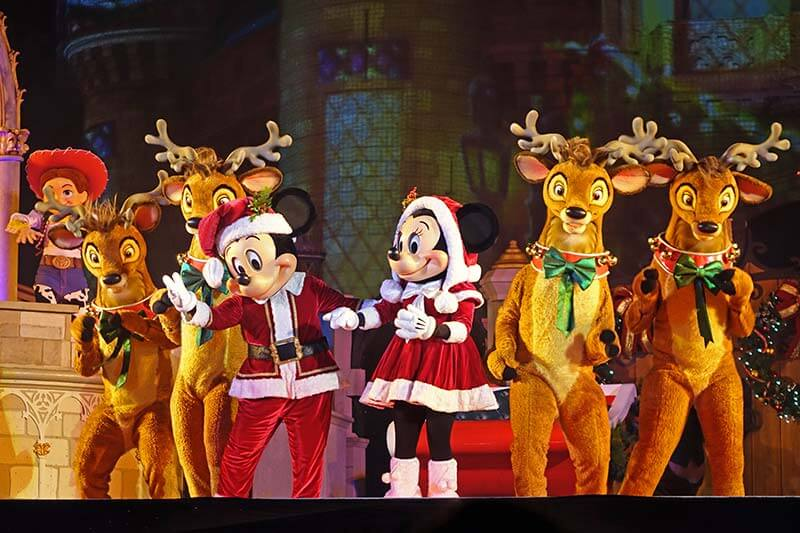 Our Guide to Mickey's Very Merry Christmas Party