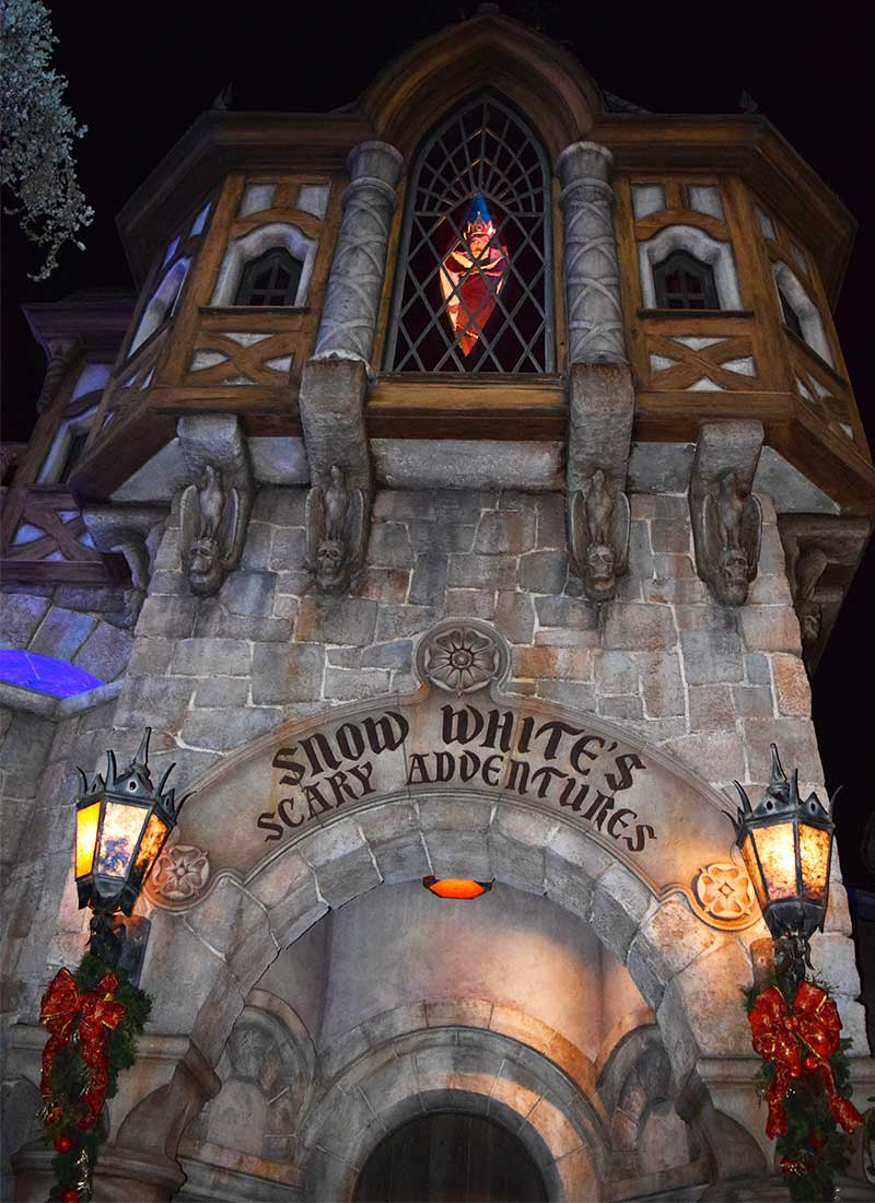 What's Coming to Disneyland and Universal in 2019 and Beyond - Snow White Refurbishment