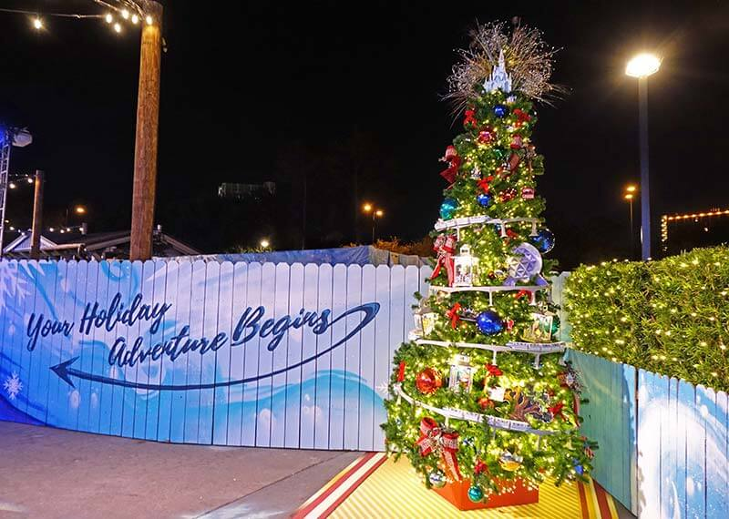 A Holly Jolly Good Guide to Disney Springs at Christmas Time