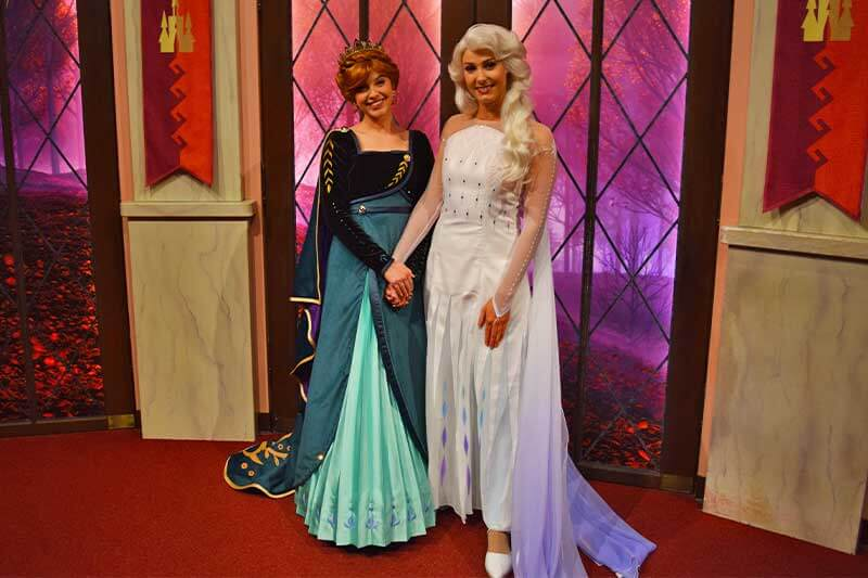 Our Royally Good Guide to Meeting Princesses at Disneyland-Ann and Elsa new outfits