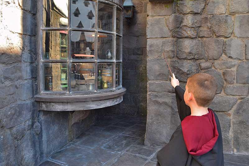 ∼Toadally∼ Cool Wizarding World of Harry Potter Spells - Three Broomsticks