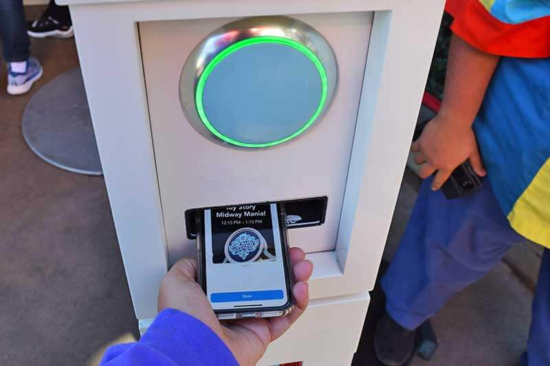 How to Take Disney MaxPass to the Max!-Scanning in at ride