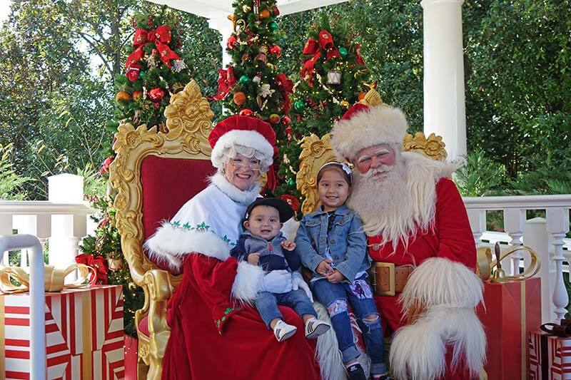 Epcot International Festival of the Holidays - Santa and Mrs. Claus