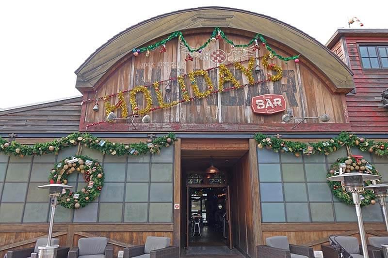 Disney Springs Christmas - Jock Lindsey's Holiday Bar