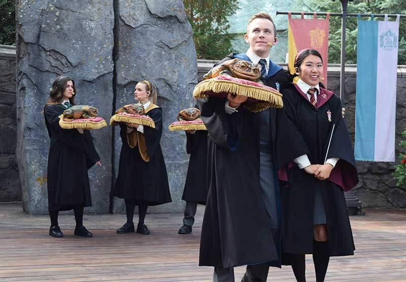Must-See Entertainment in The Wizarding World of Harry Potter at Universal Studios Hollywood
