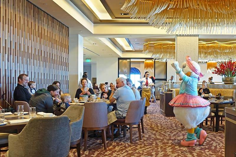 Frog Family Foodie Review: Breakfast à la Art with Mickey and Friends at Disney's Riviera Resort