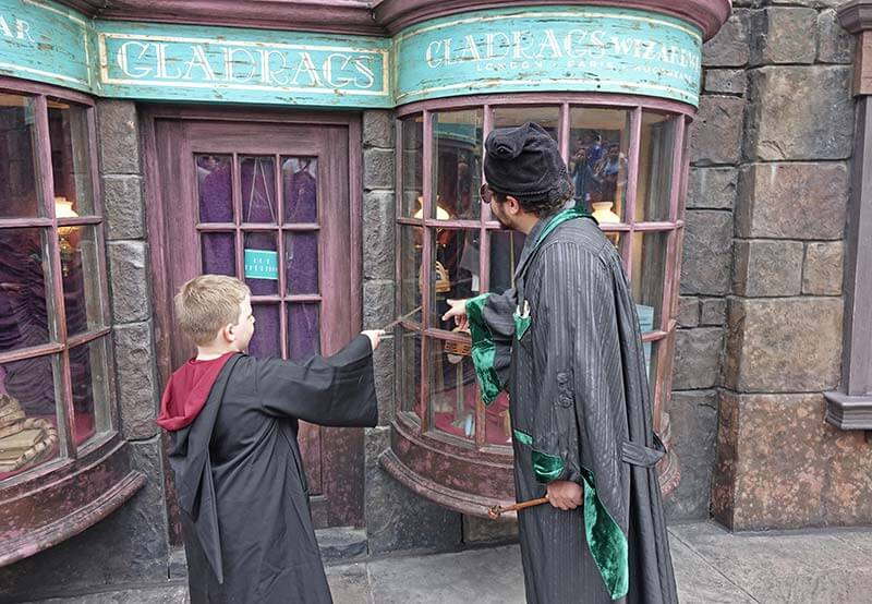 Where (and How!) to Use Wizarding Wands at Universal Orlando Resort