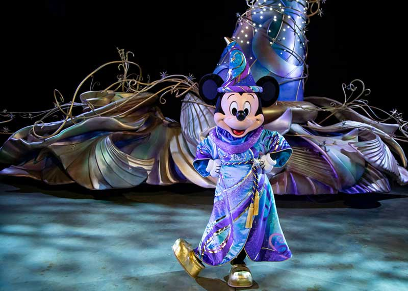 Oh Boy! Mickey Mouse to Lead the All-New 'Magic Happens' Parade at Disneyland Park