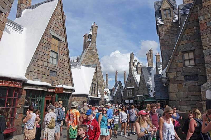 5 Reasons We ~Toadally~ Love Universal Orlando Resort